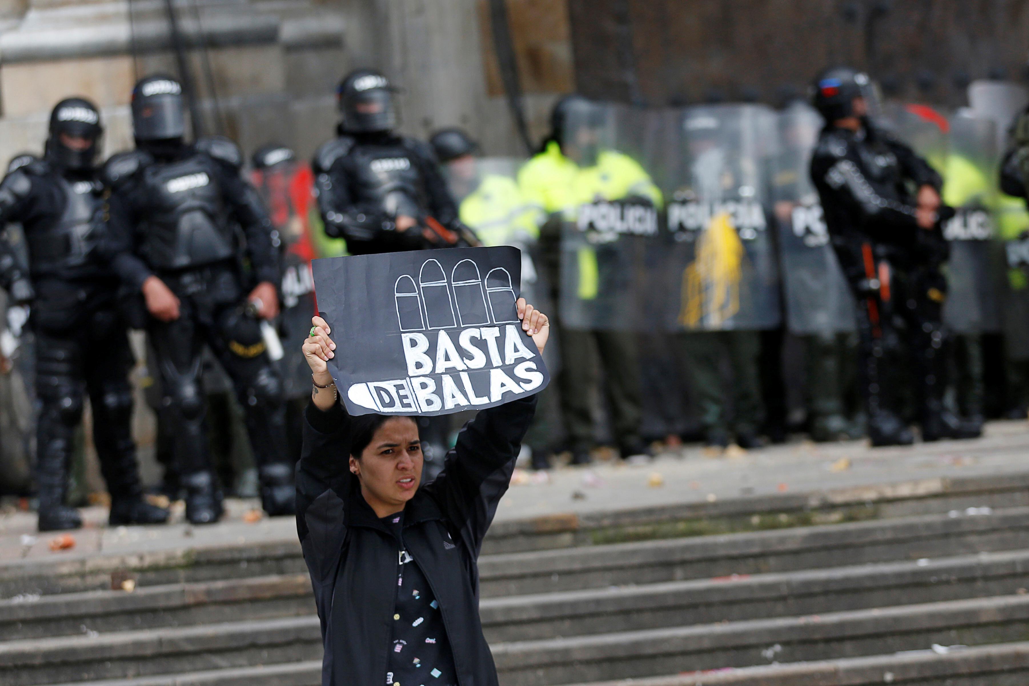 1790972-جانب-من-الاحتجاجات-والعنف-فى-كولومبيا-(10)