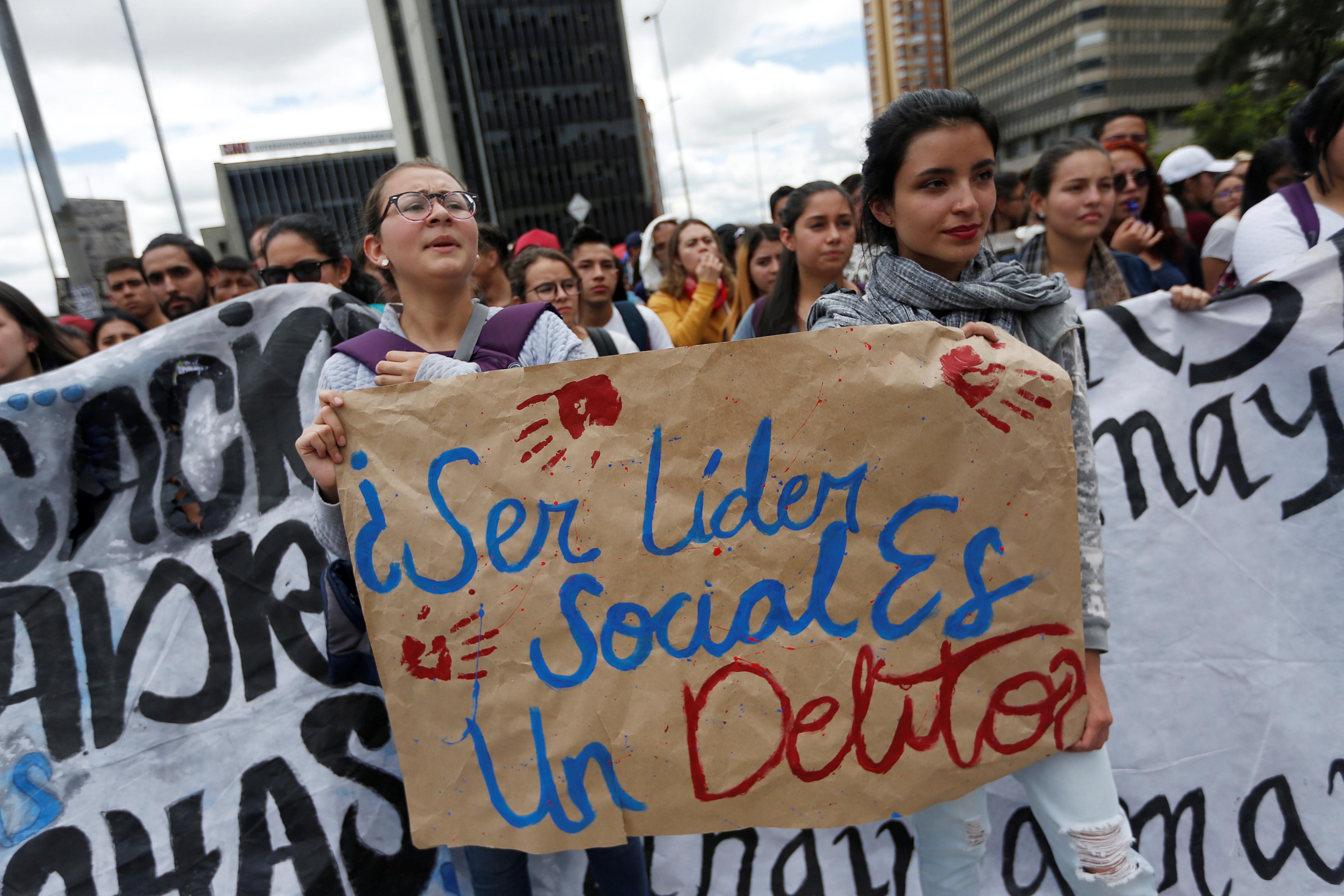 2708859-جانب-من-الاحتجاجات-والعنف-فى-كولومبيا-(3)