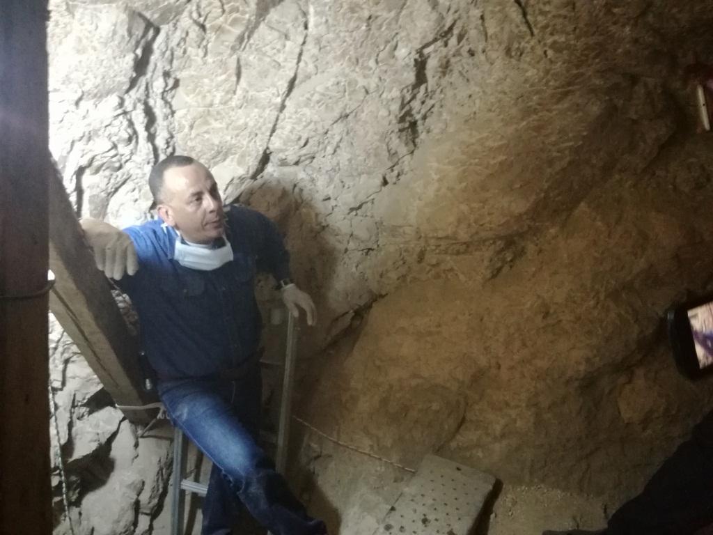 وزارة الآثار تنجح في كشف كنوز تاريخية بمقابر ذراع أبو النجا بجبل القرنة (18)