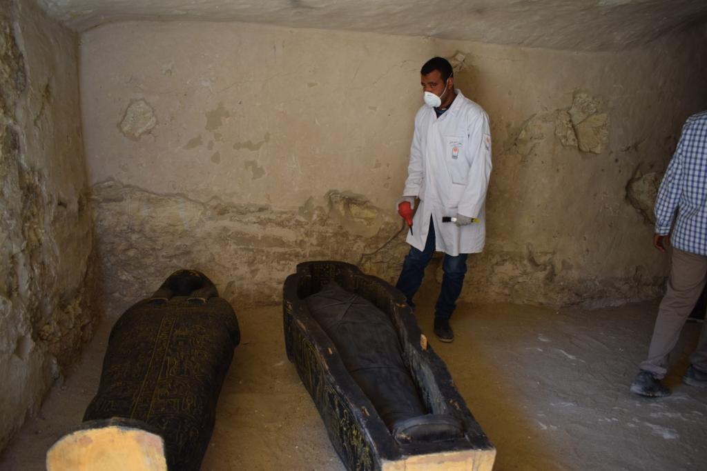 وزارة الآثار تنجح في كشف كنوز تاريخية بمقابر ذراع أبو النجا بجبل القرنة (17)