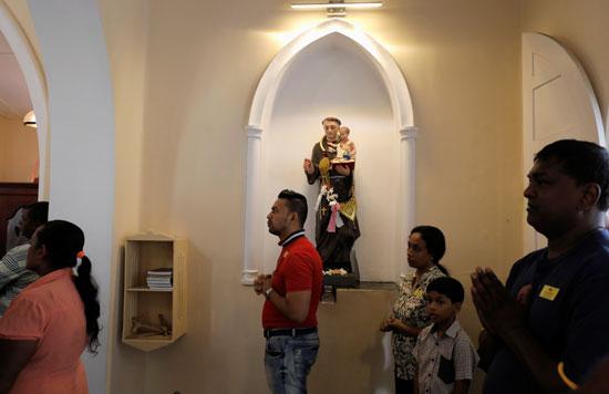 32569-انطلاق-أول-صلاة-بكنيسة-فى-سريلانكا-بعد-هجمات-عيد-الفصح-(5)