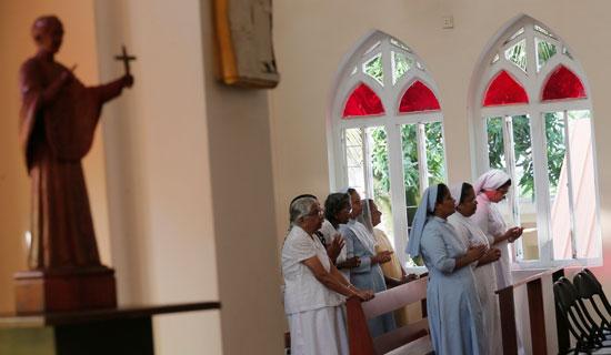 36670-انطلاق-أول-صلاة-بكنيسة-فى-سريلانكا-بعد-هجمات-عيد-الفصح-(7)