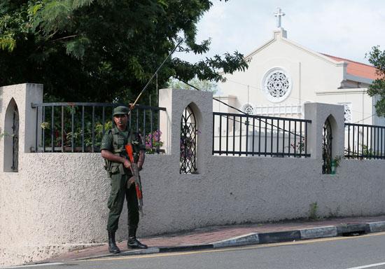 62455-انطلاق-أول-صلاة-بكنيسة-فى-سريلانكا-بعد-هجمات-عيد-الفصح-(8)