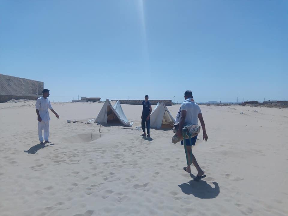 مكان لدفن المرضى فى الرمال للاستشفاء من أمراض العظام