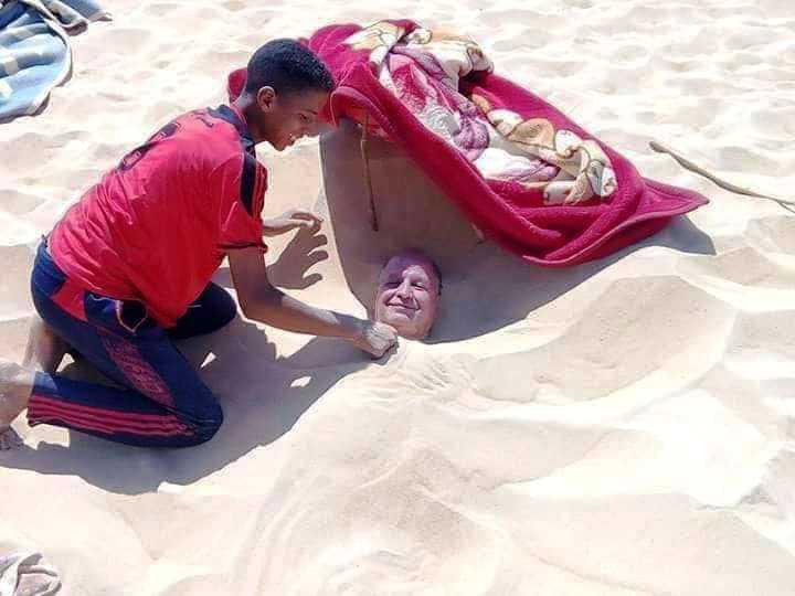 الدفن فى الرمال إحدى الطرق العلاجية للاستشفاء من أمراض العظام والروماتيزم