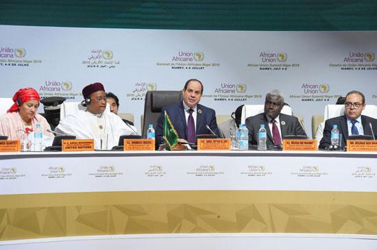 43809--الرئيس-عبد-الفتاح-السيسى-خلال-أعمال-قمة-النيجر-(5)