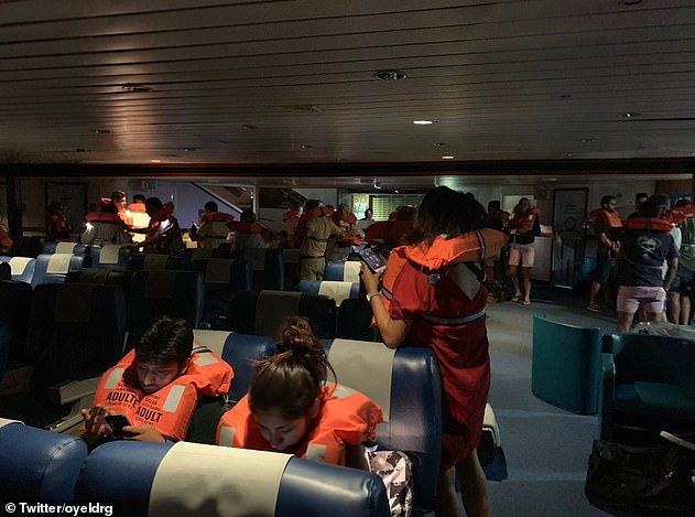 17382364-7366425-Balearia_said_in_a_statement_The_fast_ferry_Pinar_del_Rio_ran_ag-a-10_1566037505259
