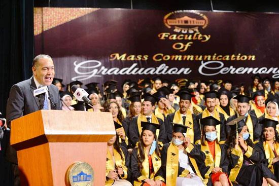 حفل-تخرج-كلية-الإعلام-بجامعة-مصر-2020-(2)