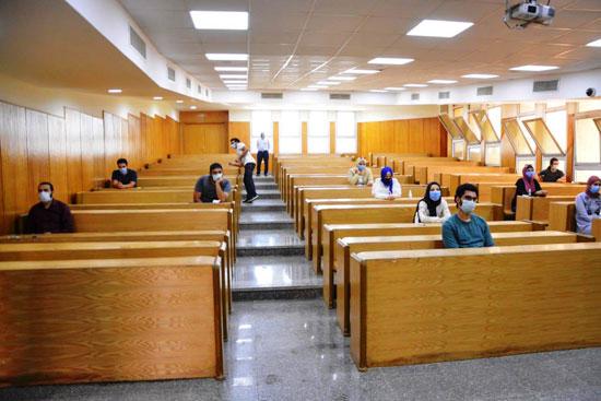 طلاب جامعة مصر للعلوم والتكنولوجيا  (15)