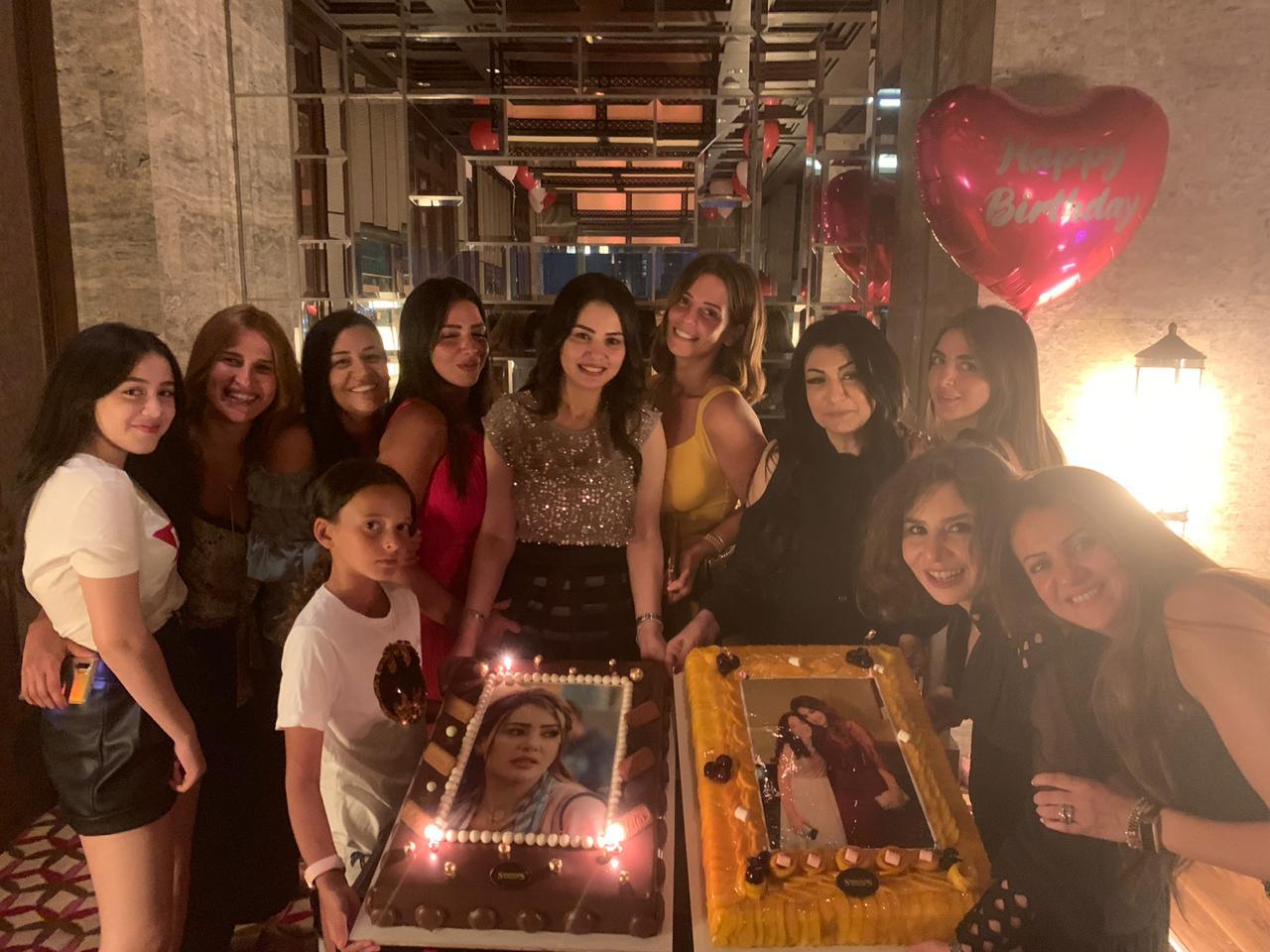 دينا فؤاد تحتفل بعيد ميلادها (1)