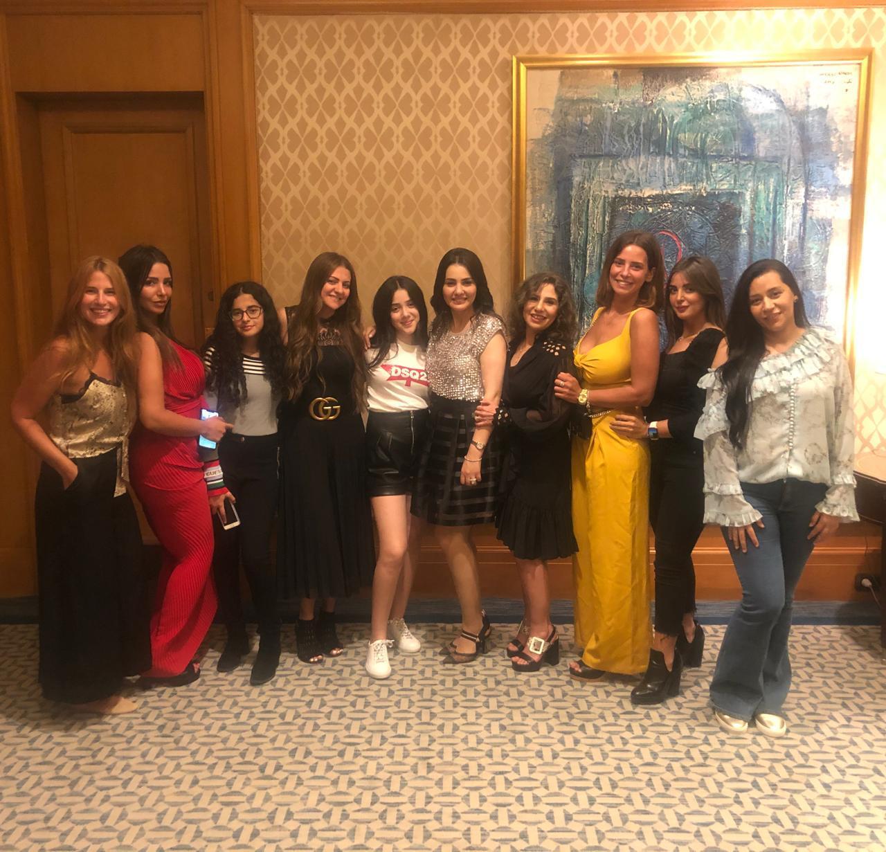 دينا فؤاد تحتفل بعيد ميلادها (2)