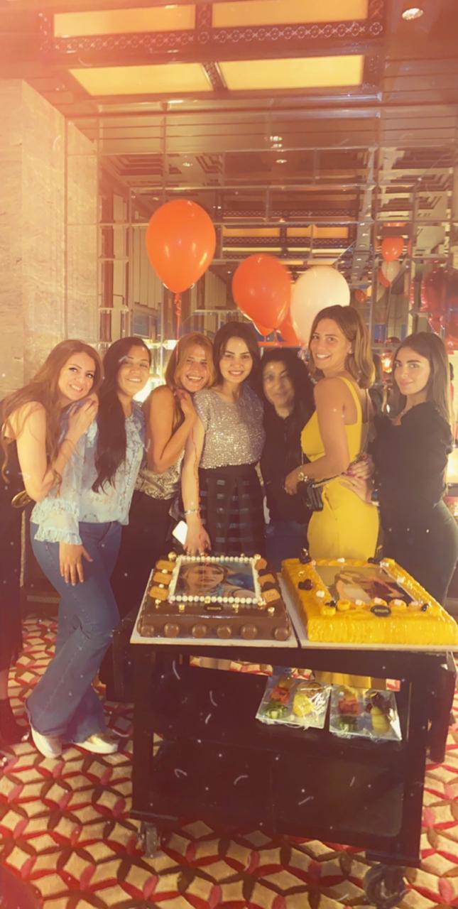 دينا فؤاد تحتفل بعيد ميلادها (5)