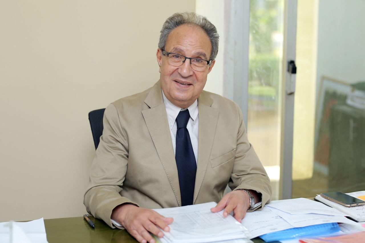 د. محمد العزازي رئيس جامعة مصر