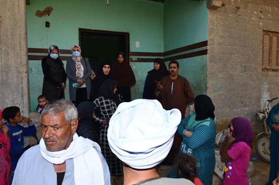 الرئيس السيسي يوجه بعلاج الطفلة شهد عصام بمركز طامية في الفيوم (10)
