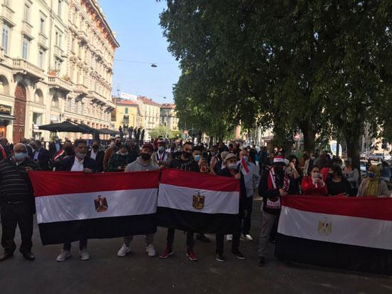 الجالية المصرية فى إيطاليا تنظم وقفة لدعم مصر فى قضية سد النهضة (4)