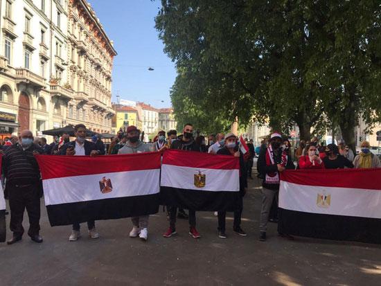 الجالية المصرية فى إيطاليا تنظم وقفة لدعم مصر فى قضية سد النهضة (5)