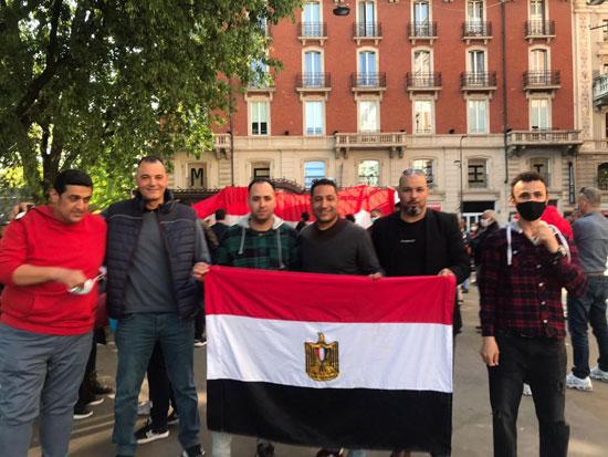 الجالية المصرية فى إيطاليا تنظم وقفة لدعم مصر فى قضية سد النهضة (7)