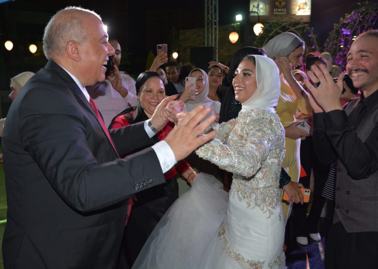 حفل خطوبة ابنة المهندس على الفضالي رئيس شركة مترو الأنفاق  (1)