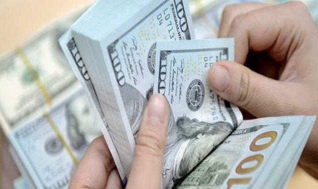 الدولار يواصل انخفاضه امام الجنيه المصرى