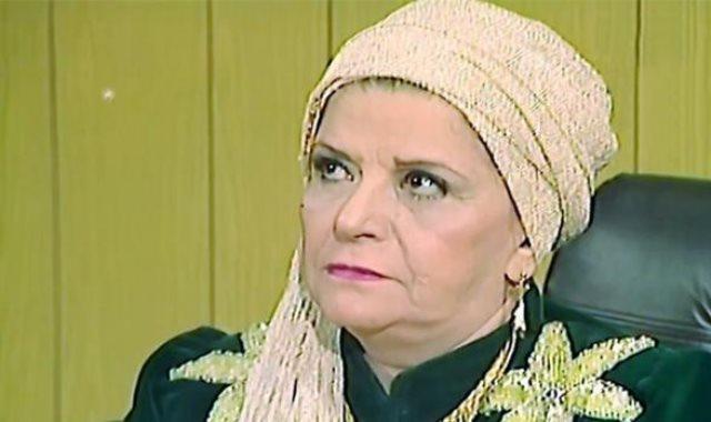 الفنانة سناء جميل