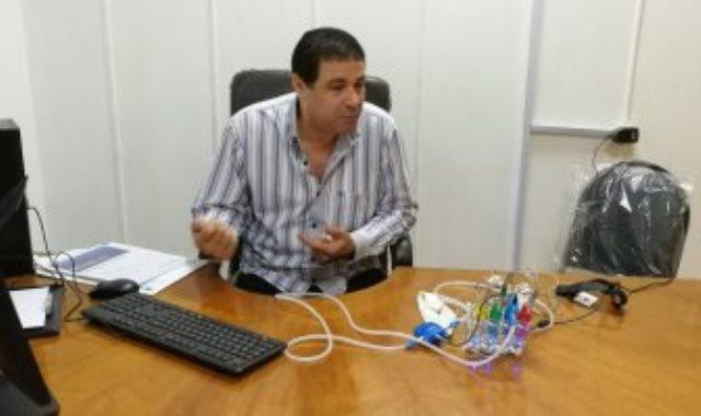 الدكتور أحمد عياد