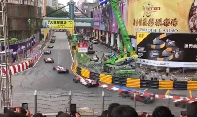 جانب من السباق
