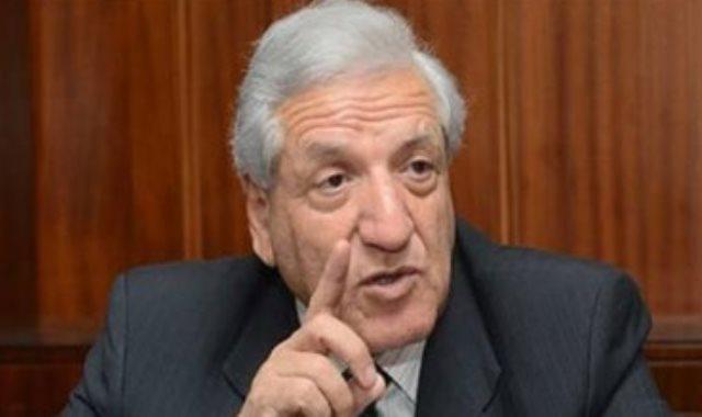 الدكتور فخرى الفقى عضو مجلس إدارة البنك المركزى المصرى