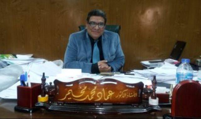 الدكتور عماد مخيمر عميد كلية الآداب جامعة الزقازيق