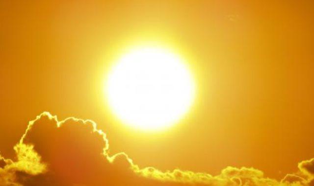 أشعة الشمس فى فصل الصيف