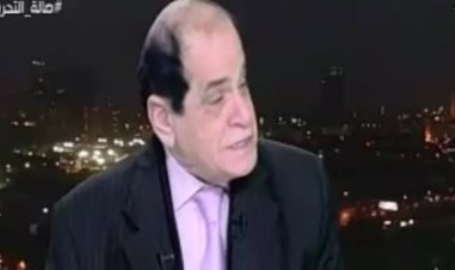 الدكتور صلاح فوزي أستاذ القانون الدستوري