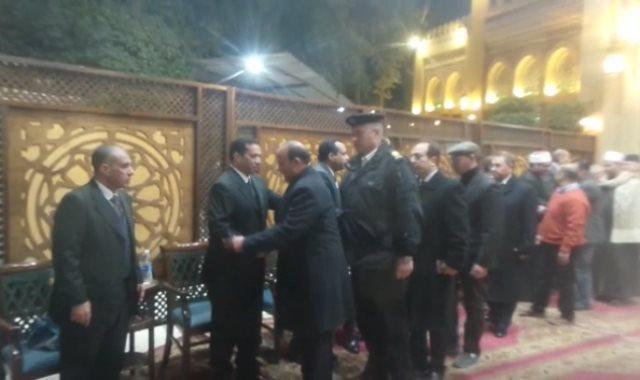 ياسمين الخيام ومحمود التهامي فى عزاء أرملة عبد الباسط عبد الصمد