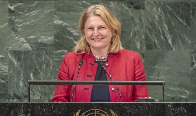 كارين كنايسل وزيرة الخارجية النمساوية