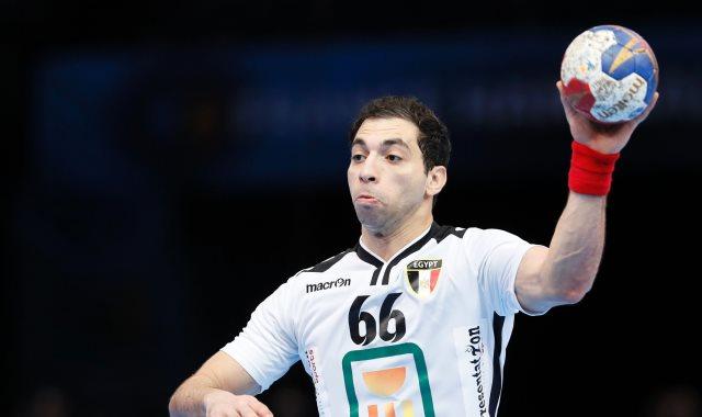 أحمد الأحمر لاعب منتخب اليد