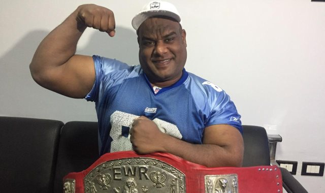 أشرف كابونجا مؤسس فريق مصارعة المحترفين