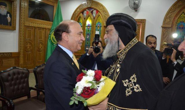 مهاب مميش و البابا تواضروس