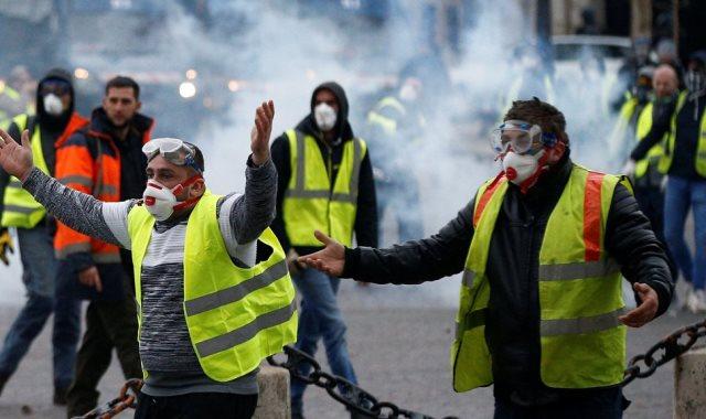 جانب من احتجاجات السترات الصفراء