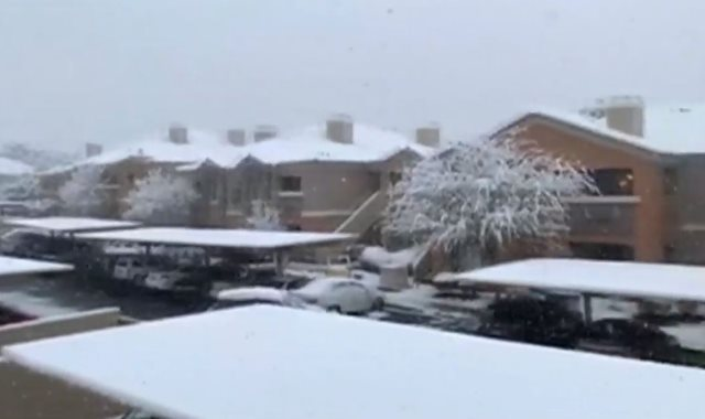 الثلوج تغطى مدينة لاس فيجاس