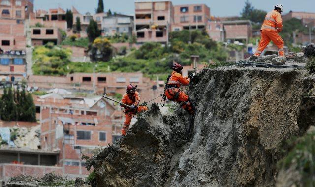 انهيار أرضى فى بوليفيا