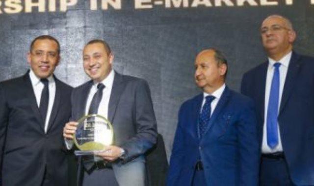 تكريم ممثل شركة جوميا الأفضل نمو فى الحصة السوقية بمجال التجارة الإلكترونية
