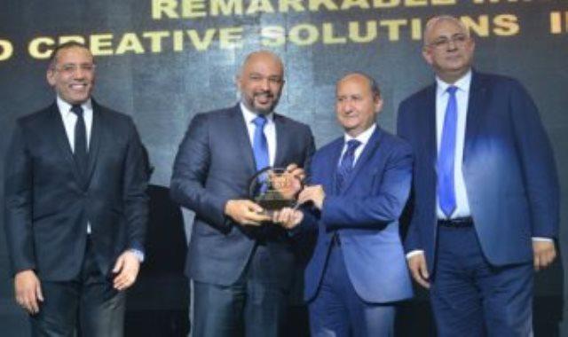 تكريم المهندس حازم متولى الرئيس التنفيذى لشركة اتصالات مصر