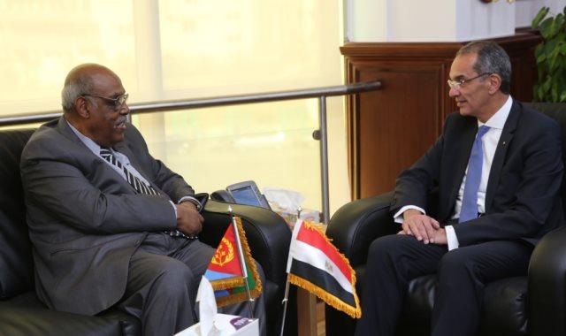 وزير الاتصالات المصري يلتقي نظيره الإريتري