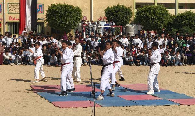 جانب من نشاط الطلاب