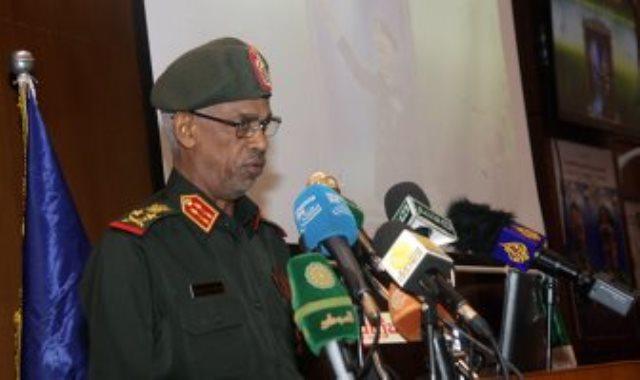 وزير الدفاع السودانى الفريق أول ركن عوض بن عوف