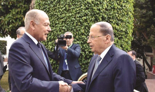 الرئيس اللبناني ميشال عون وأحمد أبو الغيط الأمين العام للجامعة العربية