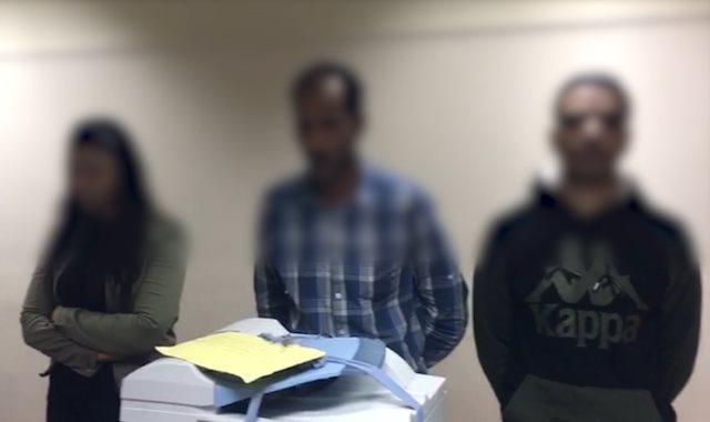 ضبط عصابة بالجيزة تزور تأشيرات السفر