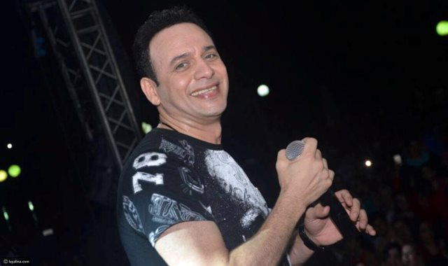 الفنان مصطفى قمر