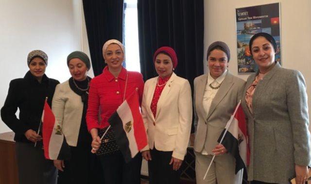 شباب مصر في الخارج