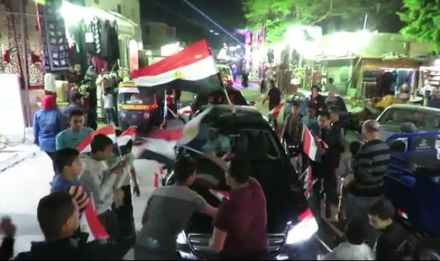 مسيرة بالسيارات تجوب شوارع التبين