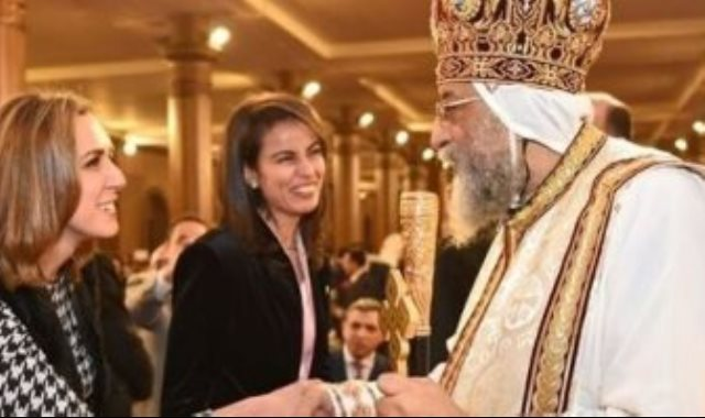 عيد القيامة 2019 .. رسائل المشاهير والبابا فى سبت النور