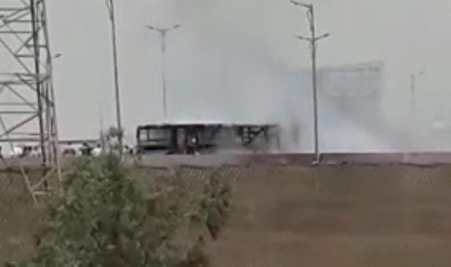جانب من حريق السيارة